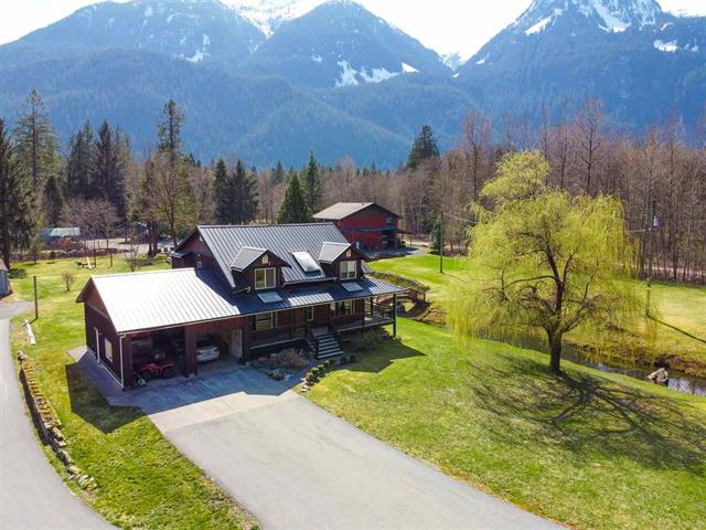 House for sale in Upper Squamish, Squamish, Squamish, 14685 Squamish Valley Road, 262472015 | Realtylink.org