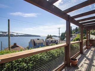 House for sale in Gibsons & Area, Gibsons, Sunshine Coast, 811 Marine Drive, 262478060 | Realtylink.org