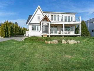 House for sale in White Rock, South Surrey White Rock, 15805 Pacific Avenue, 262507947 | Realtylink.org