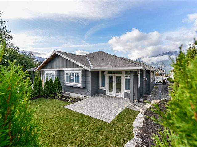1/2 Duplex for sale in University Highlands, Squamish, Squamish, 2974 Strangway Place, 262474871 | Realtylink.org