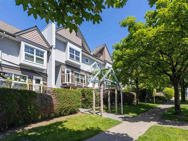 Townhouse for sale in Willingdon Heights, Burnaby, Burnaby North, 104 3787 Pender Street, 262482633 | Realtylink.org