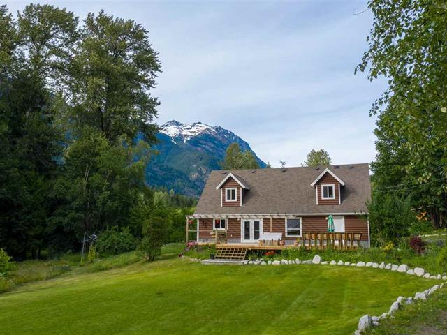 House for sale in Poole Creek, Pemberton, Pemberton, 2211 Poole Creek Road, 262469289 | Realtylink.org
