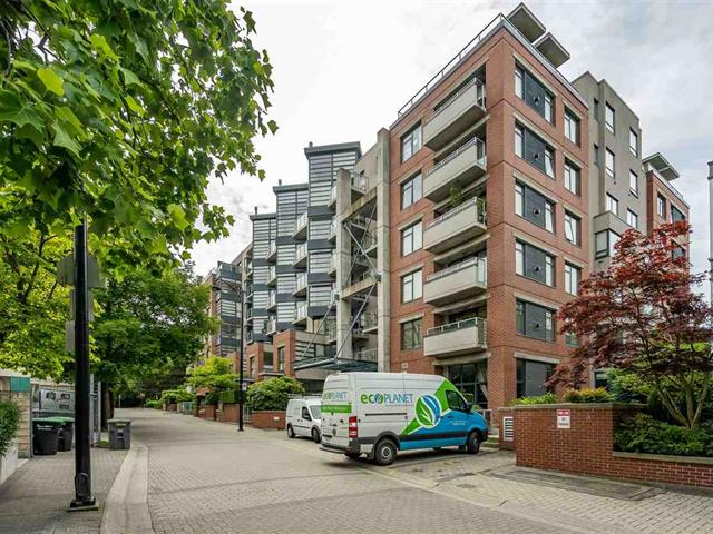 Apartment for sale in Kitsilano, Vancouver, Vancouver West, 110 2228 Marstrand Avenue, 262487732 | Realtylink.org