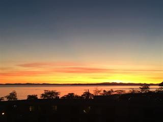 Apartment for sale in White Rock, South Surrey White Rock, 502 14955 Victoria Avenue, 262496086 | Realtylink.org
