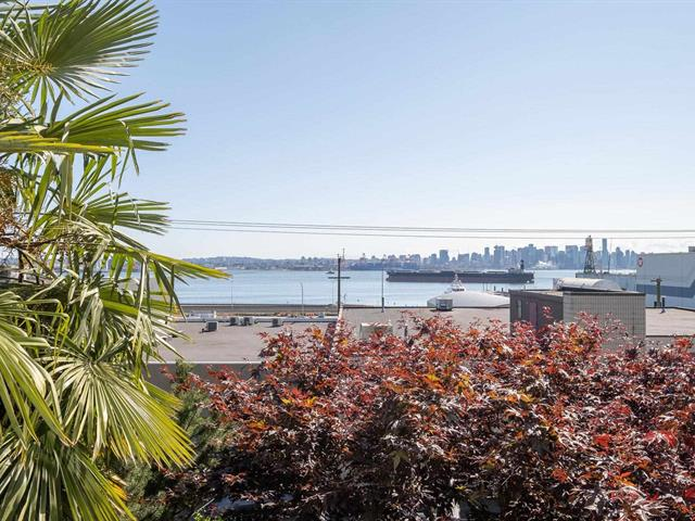 Apartment for sale in Lower Lonsdale, North Vancouver, North Vancouver, 205 333 E 1st Street, 262639637 | Realtylink.org