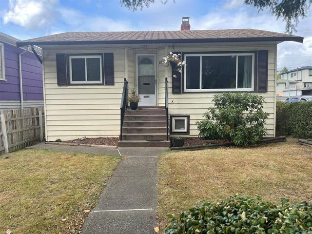 House for sale in Renfrew VE, Vancouver, Vancouver East, 2597 E Broadway, 262635225 | Realtylink.org