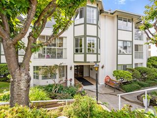 Apartment for sale in White Rock, South Surrey White Rock, 105 15130 Roper Avenue, 262637299 | Realtylink.org