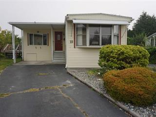 Manufactured Home for sale in King George Corridor, Surrey, South Surrey White Rock, 19 15875 20 Avenue, 262520508 | Realtylink.org