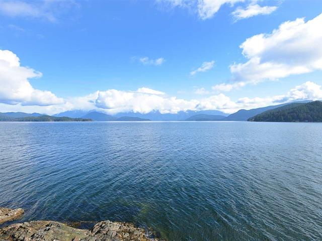House for sale in Gibsons & Area, Gibsons, Sunshine Coast, 988 Marine Drive, 262572080   Realtylink.org