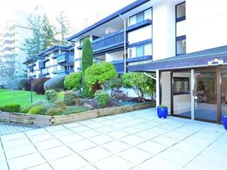 Apartment for sale in White Rock, South Surrey White Rock, 207 1561 Vidal Street, 262563404 | Realtylink.org