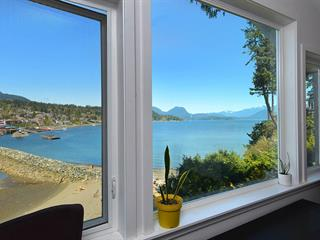 House for sale in Gibsons & Area, Gibsons, Sunshine Coast, 616 Bay Road, 262591066   Realtylink.org