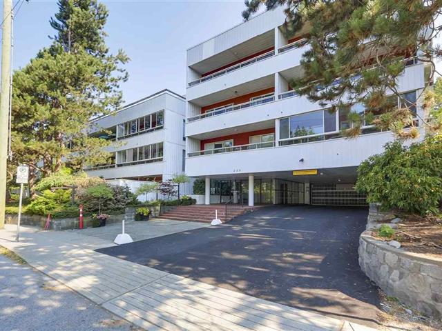 Apartment for sale in Lower Lonsdale, North Vancouver, North Vancouver, 313 250 W 1st Street, 262592730   Realtylink.org