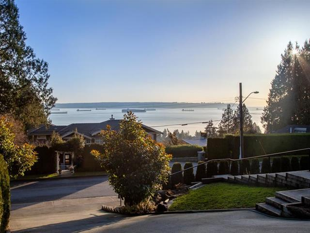 House for rent in Queens, West Vancouver, West Vancouver, 2421 Queen Avenue, 262585875 | Realtylink.org