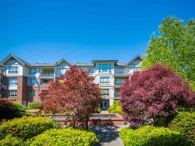 Apartment for sale in Sunnyside Park Surrey, Surrey, South Surrey White Rock, 203 2167 152 Street, 262528421 | Realtylink.org