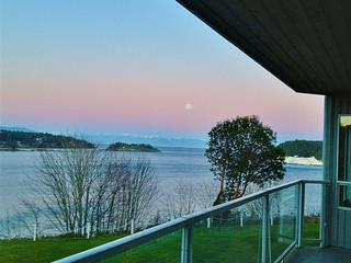 Apartment for sale in Nanaimo, Departure Bay, 205 2560 Departure Bay Rd, 857610 | Realtylink.org