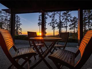 Apartment for sale in Ucluelet, Ucluelet, 104 554 Marine Dr, 858214 | Realtylink.org