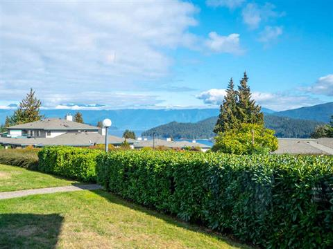 Apartment for sale in Gibsons & Area, Gibsons, Sunshine Coast, 29 555 Eaglecrest Drive, 262390459   Realtylink.org