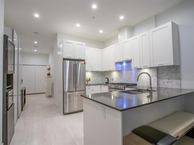 Apartment for sale in Lower Lonsdale, North Vancouver, North Vancouver, 101 131 E 3rd Street, 262458050 | Realtylink.org