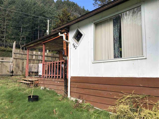 House for sale in Gibsons & Area, Gibsons, Sunshine Coast, 942 Trant Road, 262458238 | Realtylink.org