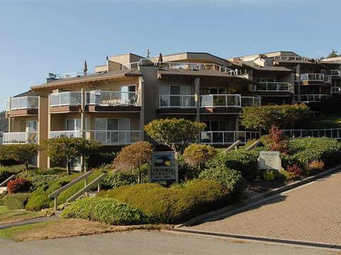 Apartment for sale in White Rock, South Surrey White Rock, 305 15015 Victoria Avenue, 262418076 | Realtylink.org