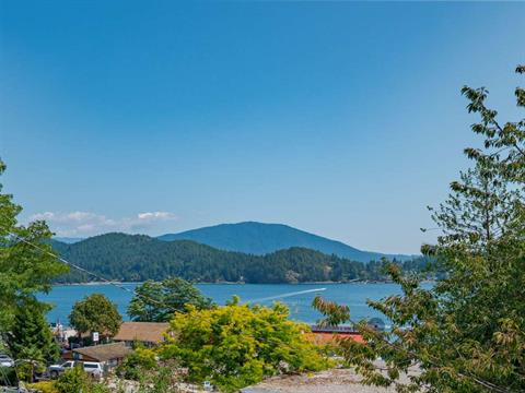 Apartment for sale in Gibsons & Area, Gibsons, Sunshine Coast, 3 526 S Fletcher Road, 262415768 | Realtylink.org