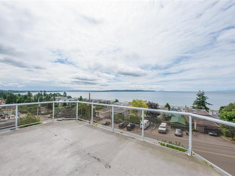 House for sale in White Rock, South Surrey White Rock, 15515 Columbia Avenue, 262406190 | Realtylink.org