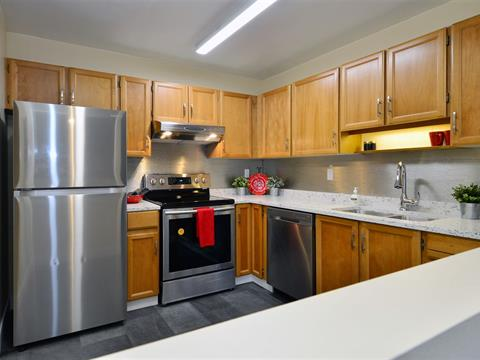 Apartment for sale in White Rock, South Surrey White Rock, 302 1355 Winter Street, 262409241 | Realtylink.org