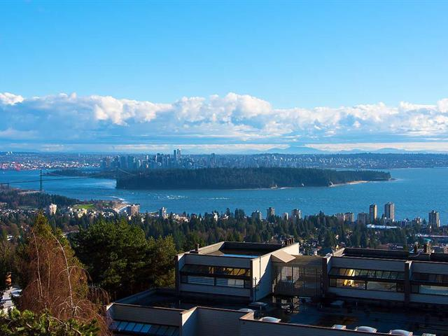 1/2 Duplex for sale in Panorama Village, West Vancouver, West Vancouver, 2306 Folkestone Way, 262461271 | Realtylink.org