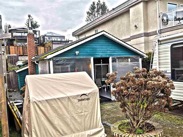 House for sale in White Rock, South Surrey White Rock, 15527 Victoria Avenue, 262447524 | Realtylink.org
