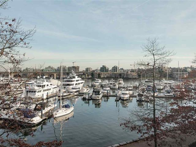 Apartment for sale in Yaletown, Vancouver, Vancouver West, 311 1228 Marinaside Crescent, 262448684 | Realtylink.org