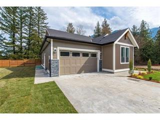 House for sale in Lindell Beach, Cultus Lake, Cultus Lake, 63 1885 Columbia Valley Road, 262430390 | Realtylink.org