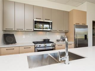 Apartment for sale in White Rock, South Surrey White Rock, 106 14022 North Bluff Road, 262436086 | Realtylink.org
