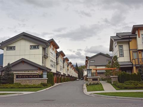 Townhouse for sale in Brennan Center, Squamish, Squamish, 9 39548 Loggers Lane, 262426465 | Realtylink.org