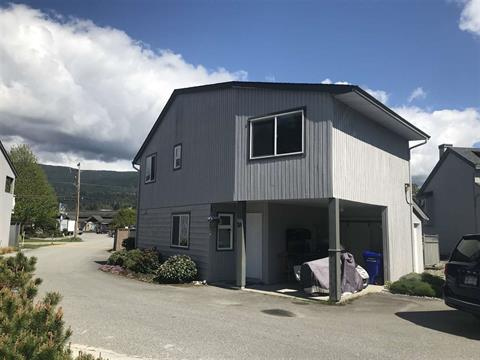 Townhouse for sale in Sechelt District, Sechelt, Sunshine Coast, 20 5761 Wharf Avenue, 262383154   Realtylink.org