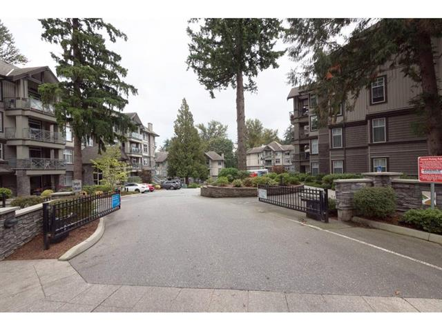 Apartment for sale in Central Abbotsford, Abbotsford, Abbotsford, 109 33328 E Bourquin Crescent, 262430829 | Realtylink.org