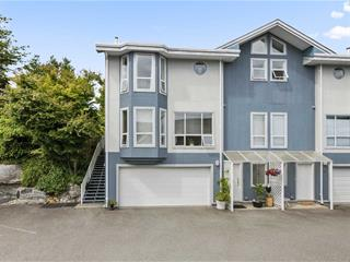 Townhouse for sale in Sechelt District, Sechelt, Sunshine Coast, 15 5740 Marine Way, 262452682 | Realtylink.org